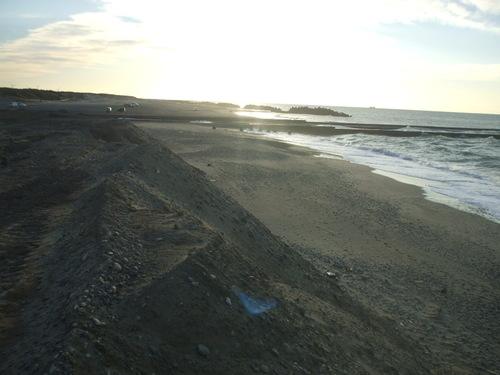 中田島町養浜箇所から東の五島海岸を望む!